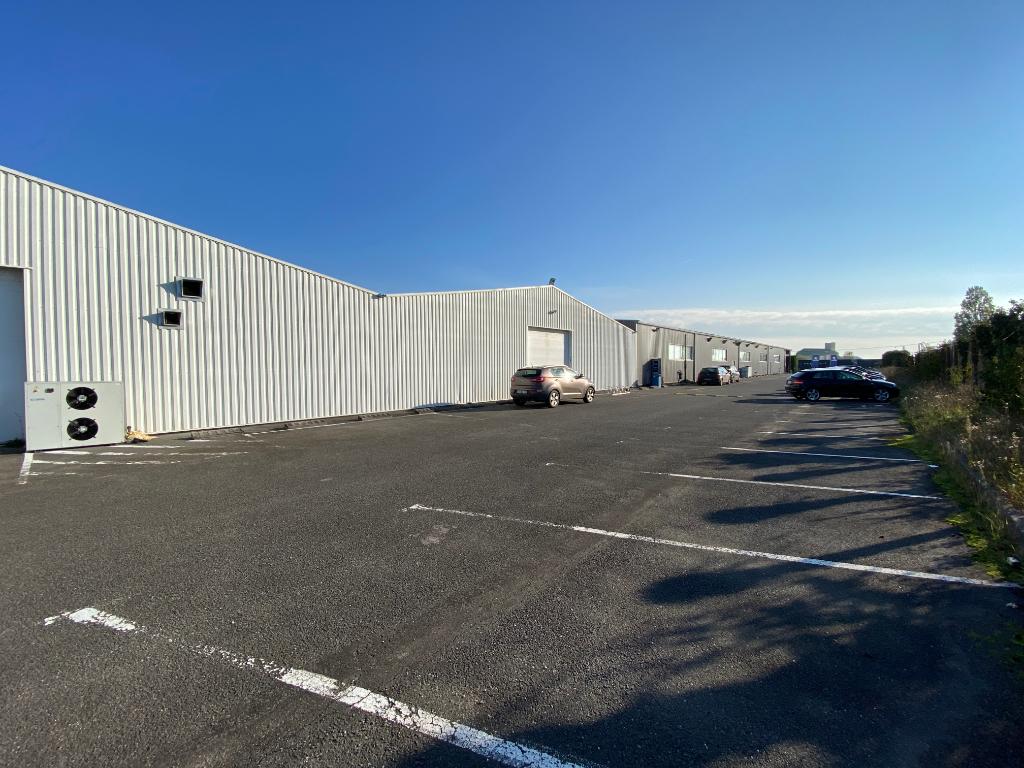 Local d\'activité 5500 m²  à vendre à BARBEZIEUX