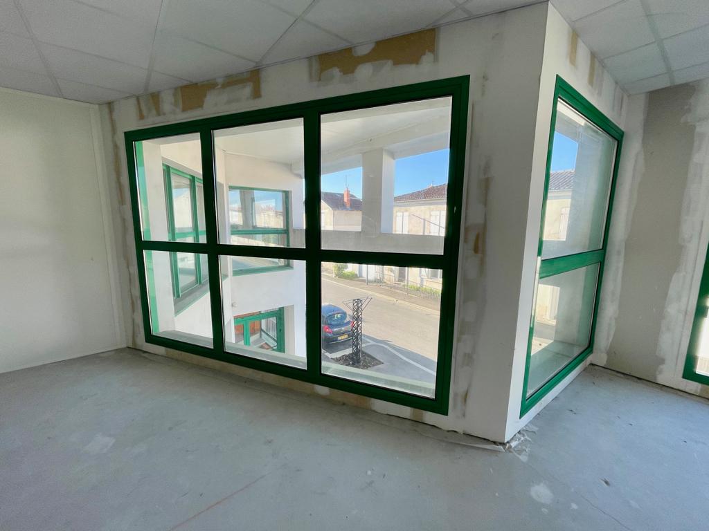 Bureaux 140 m² à louer à ANGOULEME