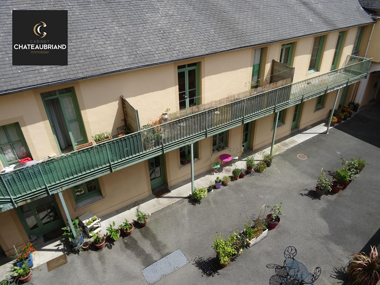 A LOUER - DOL DE BRETAGNE CENTRE - T3 - 71 m² - PARKING