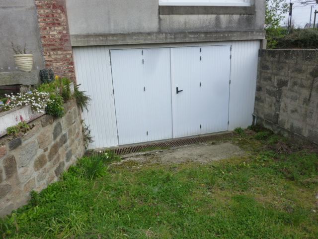 A LOUER - DOL DE BRETAGNE - SECTEUR GARE - GARAGE - 18 m²