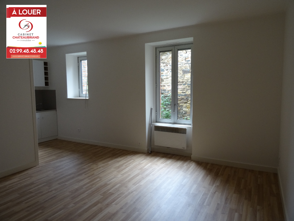A LOUER - DOL DE BRETAGNE CENTRE - PROCHE GARE - T2 - RDC - 40 m²