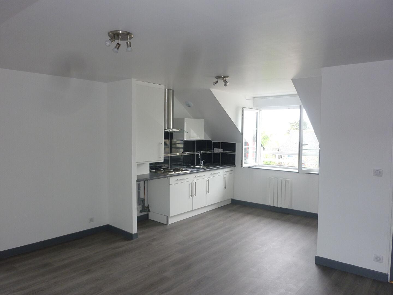 A LOUER - SAINT BENOIT DES ONDES - T2 RENOVE - 40 m² - CELLIER - PARKING
