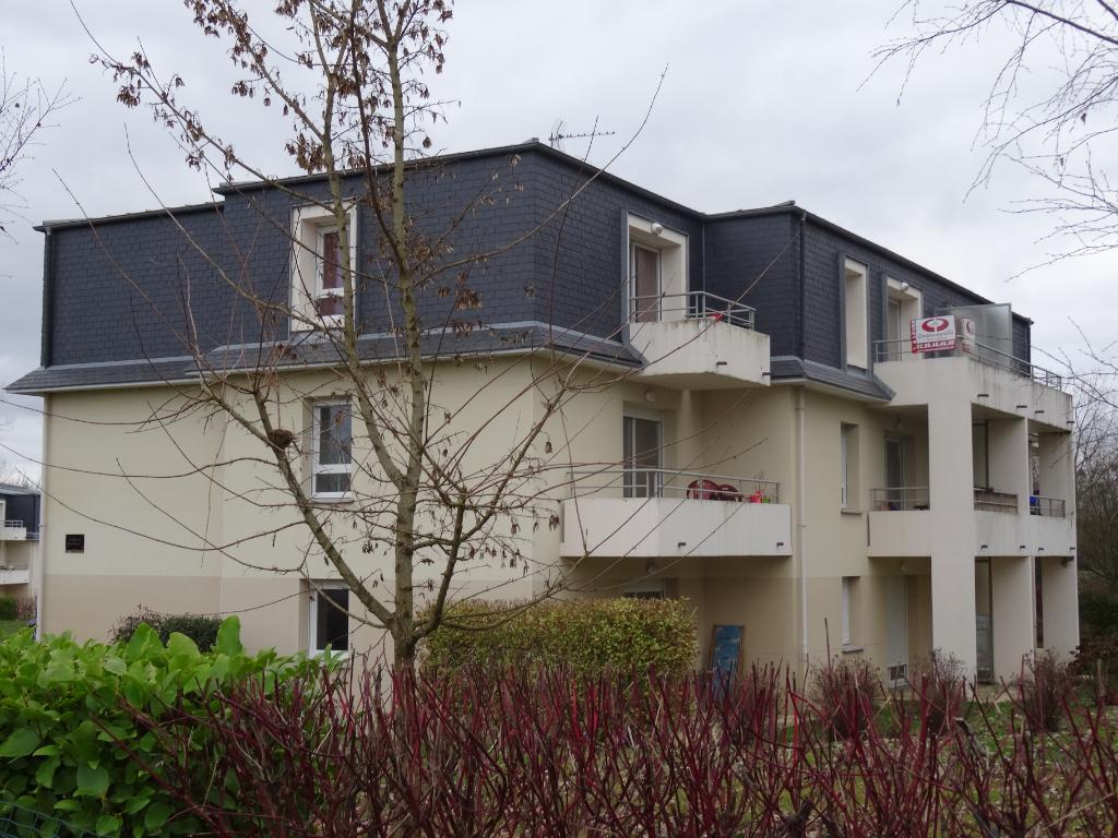 A LOUER - DOL DE BRETAGNE - RECENT T2 - 40 m² - PARKING - CAVE