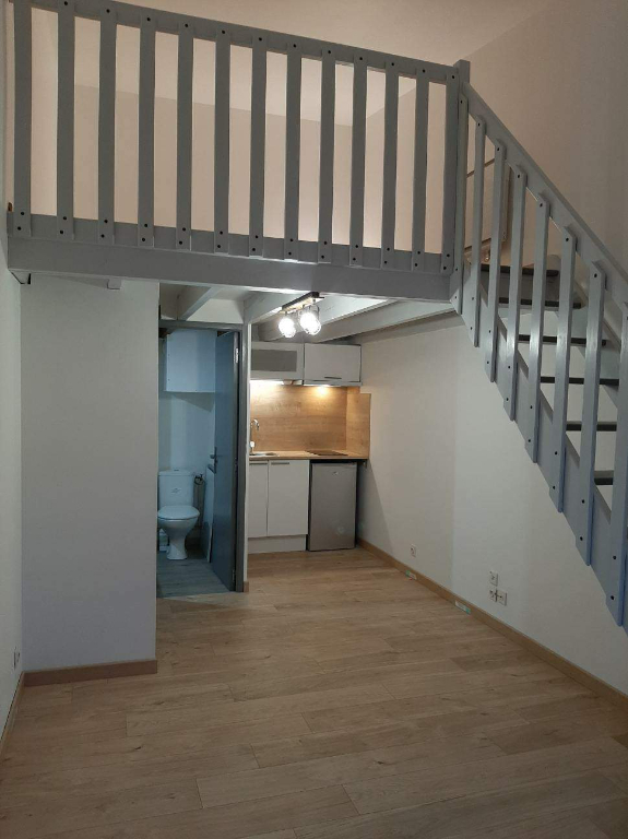 DOL DE BRETAGNE - T1 BIS EN DUPLEX - 21 m²