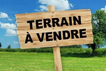 Terrain centre-ville de Sens De Bretagne 900 m2