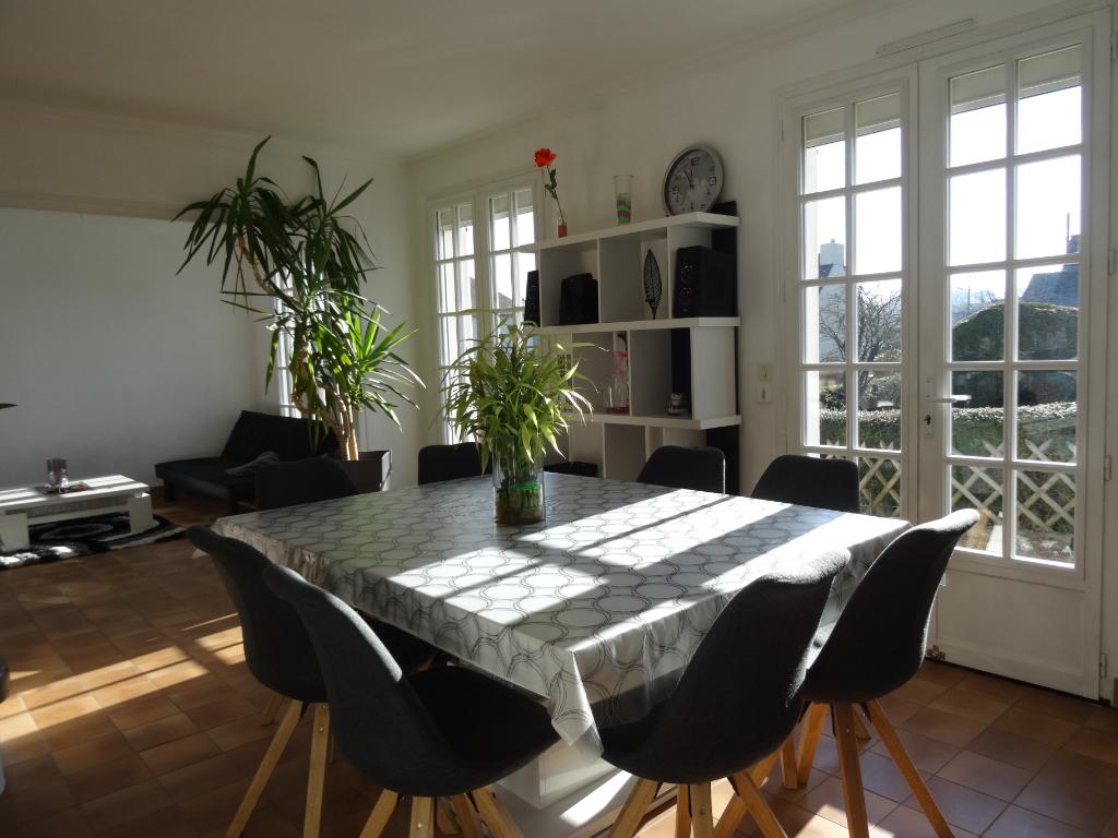 A LOUER - DOL DE BRETAGNE - MAISON - 100 m² - JARDIN