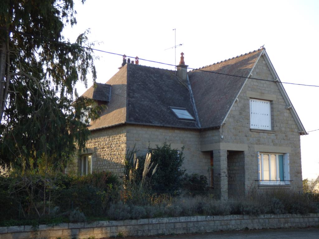 Boucey - Maison avec partie indépendante louée