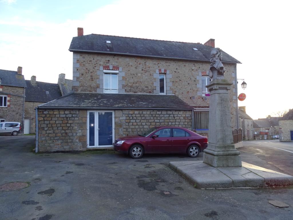 A vendre maison comprenant deux appartements T3  - 35 min de Rennes - 10 min de Sens-de-Bretagne
