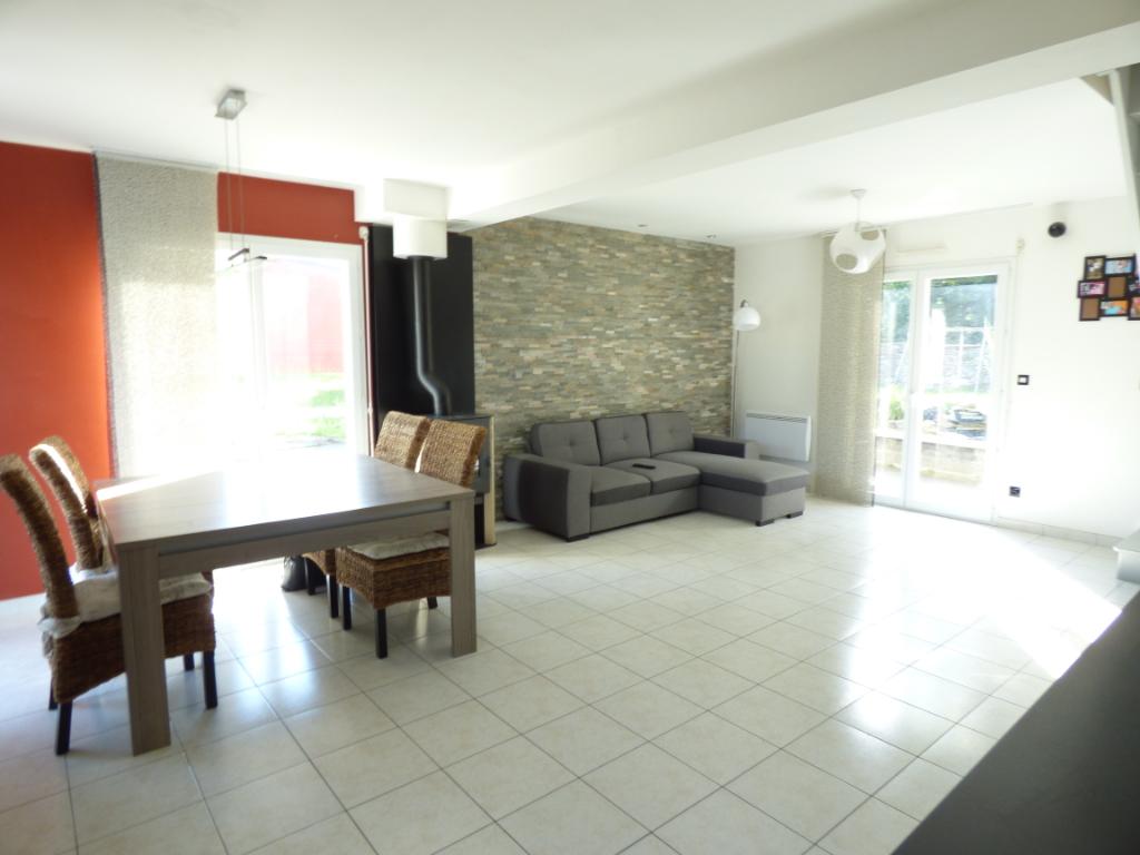 Maison à vendre Baguer Morvan 5 pièce(s), 4 chambres, terrain  600m²