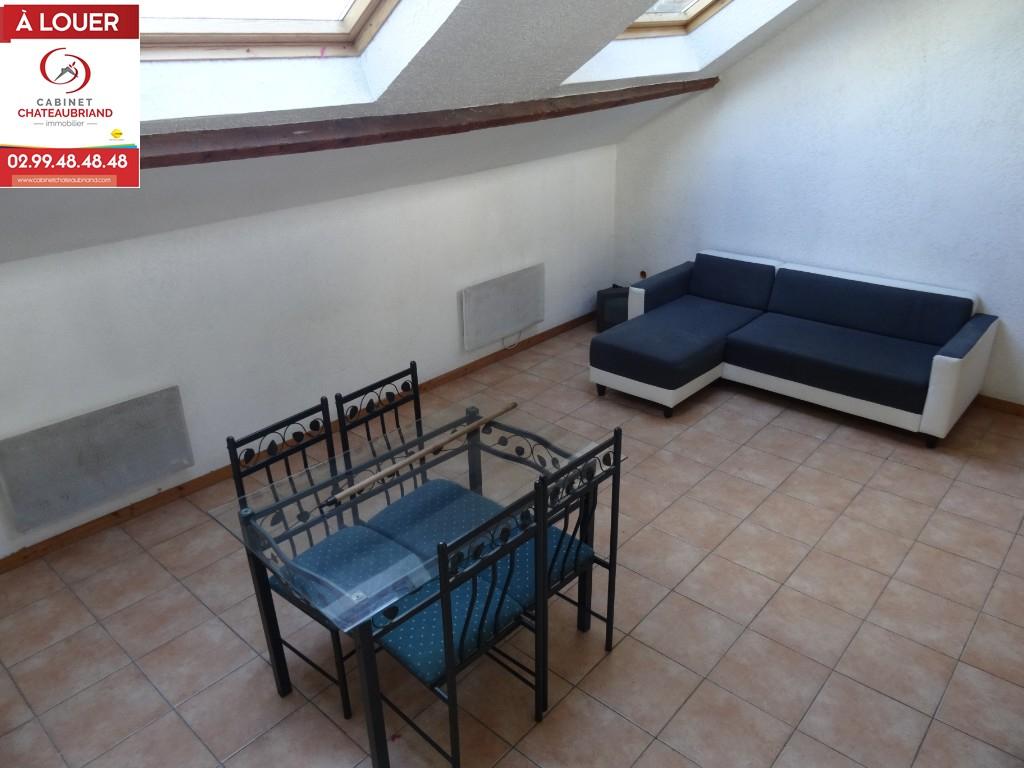 A LOUER DOL DE BRETAGNE - CENTRE - T1 Bis - EN COURS DE RENOVATION - 31 m²
