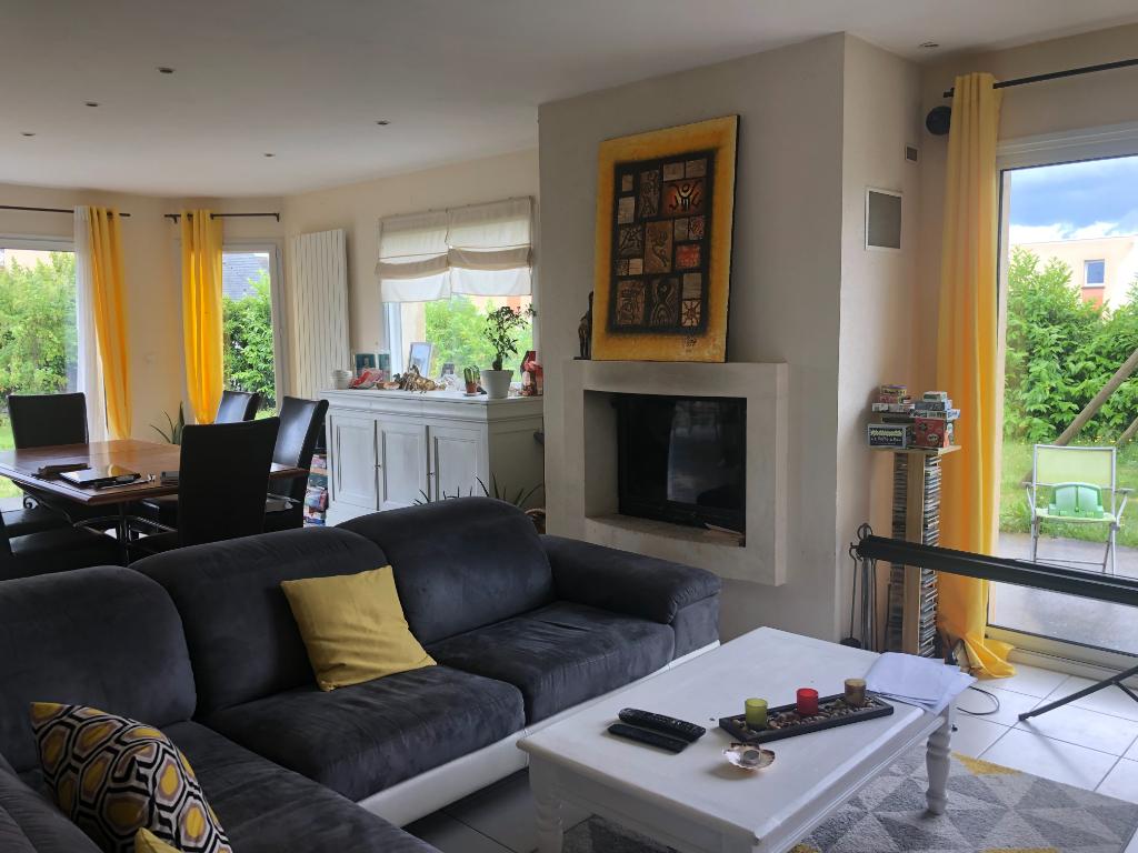 Maison familiale récente 166 m2, 6 chambres, Saint-Méloir-des Ondes