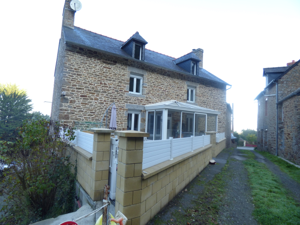 Maison à vendre  Saint Marcan 9 pièces, 6 chambres