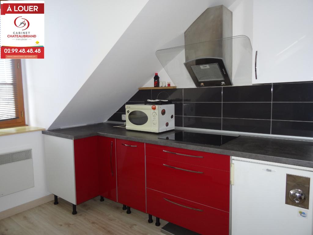A LOUER - DOL DE BRETAGNE CENTRE - APPARTEMENT T2 MEUBLE - 43 m²