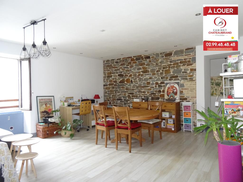 A LOUER - DOL DE BRETAGNE - T4 - 83.97 m² - 3 CHAMBRES - PARKING