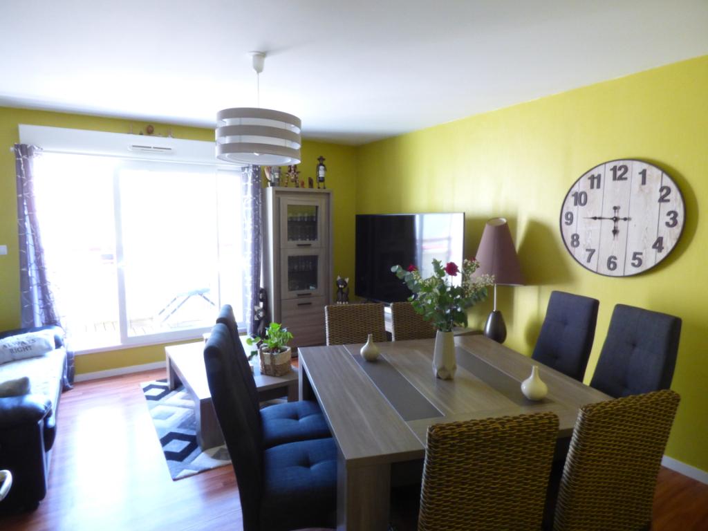 Appartement à vendre  Dol De Bretagne 4 pièce(s) 67.97 m2