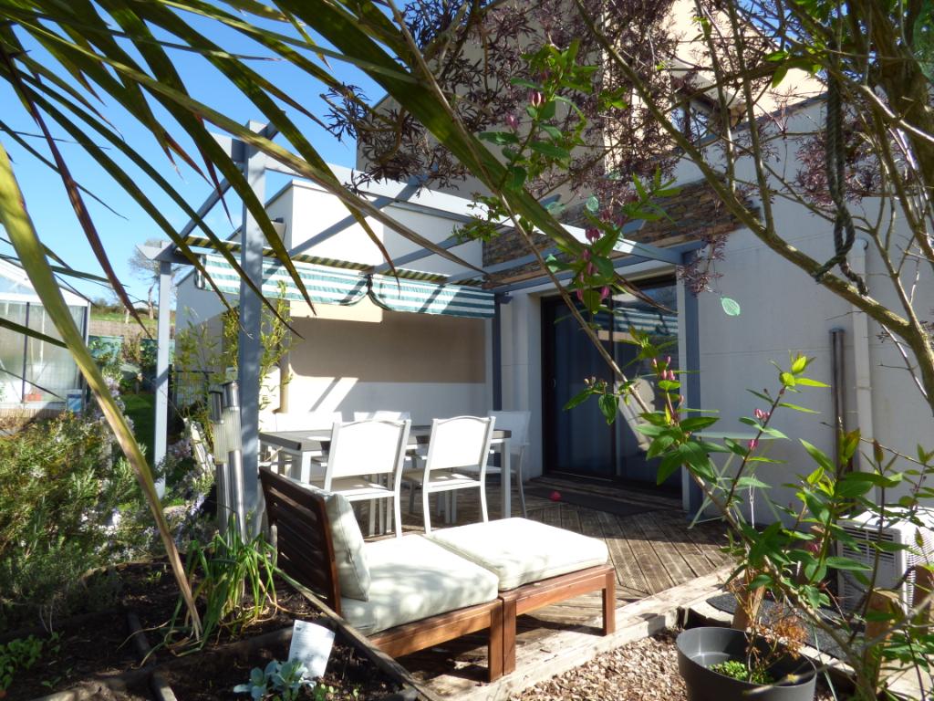 Maison contemporaine Montreuil Sur Ille 7 pièce(s) 140 m²
