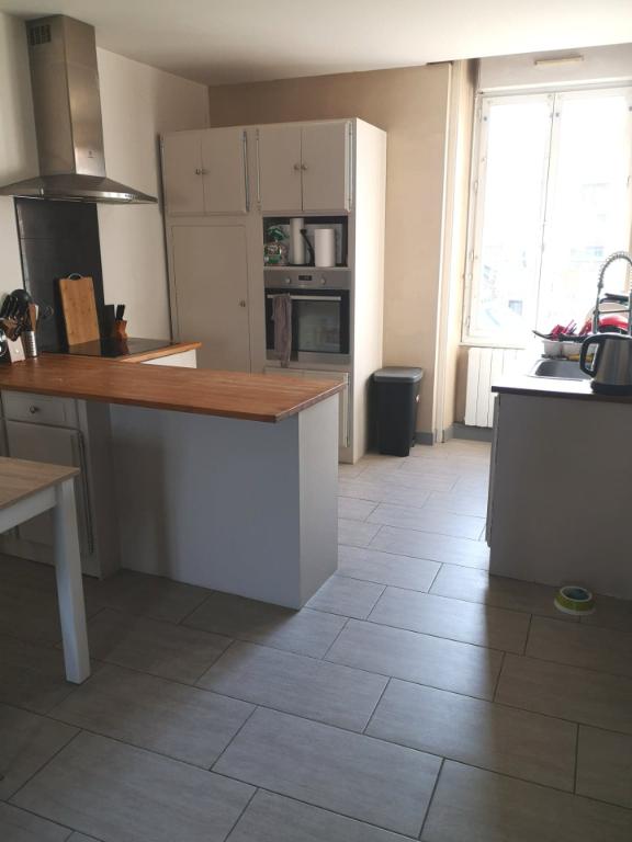 VENDU EN EXCLUSIVITE - Appartement T4 de 91 m2 , 3 chambres, à 5 minutes à pieds de la Gare