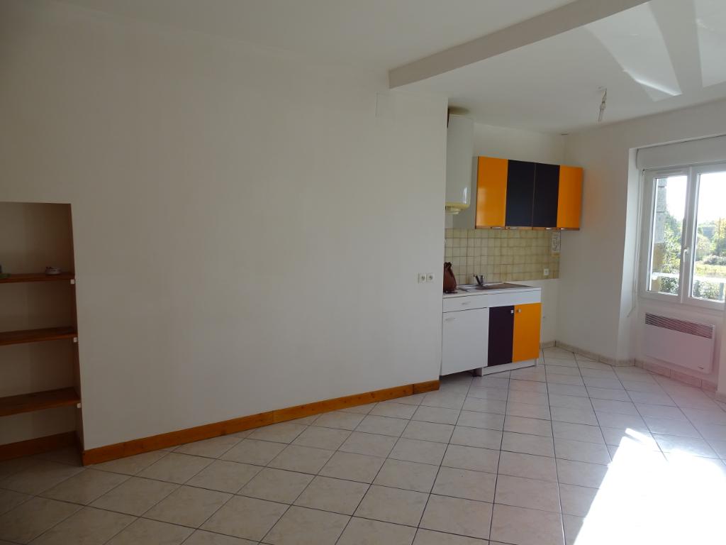 Appartement Meillac 2 pièce(s) 38 m2