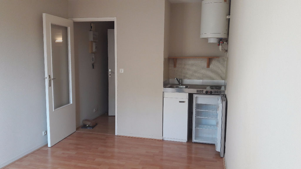 A louer Nantes St Félix 44, appartement type studio avec cave