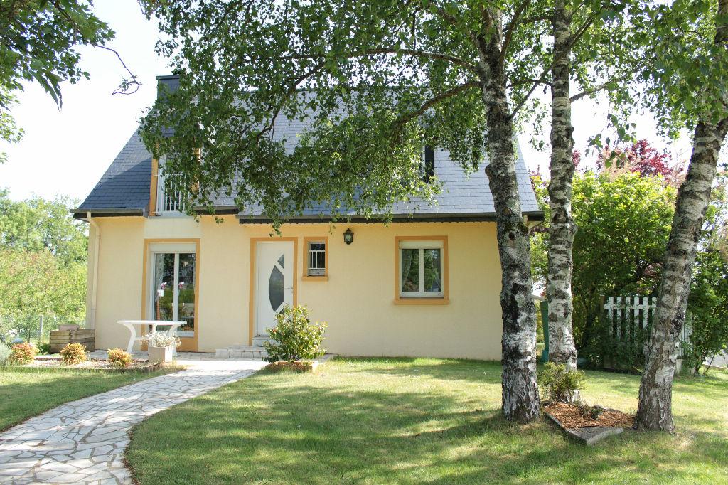 Maison T5 A 1 KM DU CENTRE BOURG