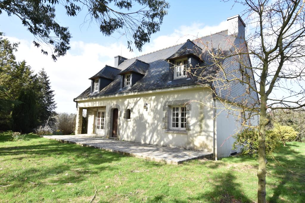 A 15 min de Vannes - Lauzach - Centre bourg - Maison T7
