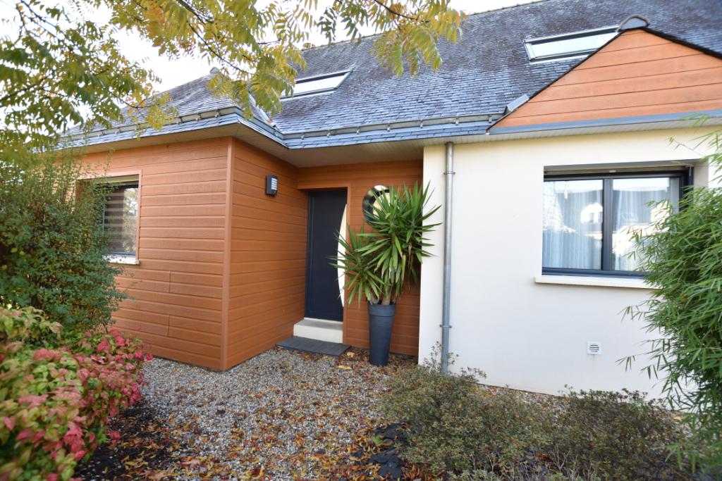 Maison T6 sur + de 900 m² de terrain à Lauzach
