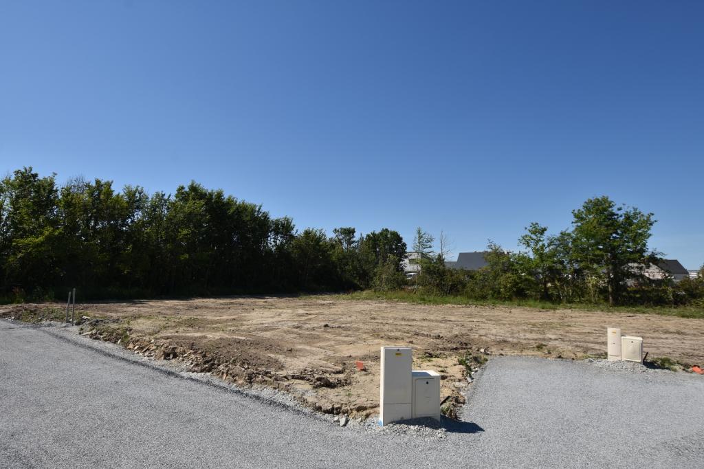 BILLIERS Terrain à bâtir de 752 m2