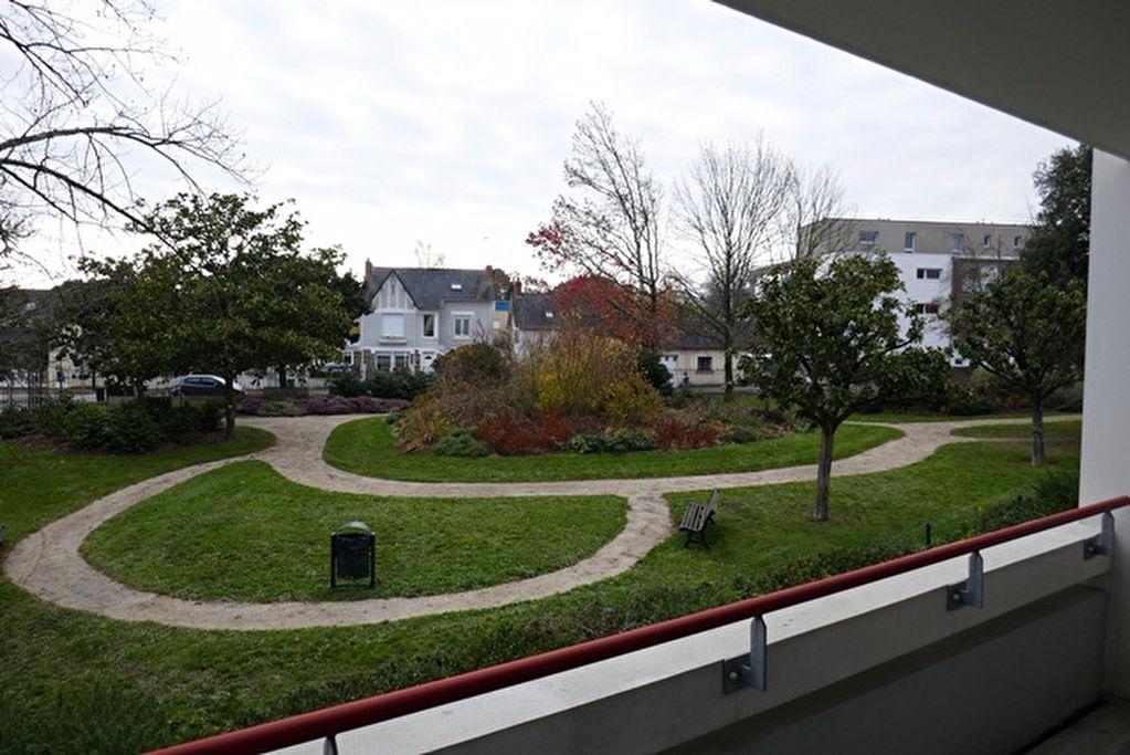 Appartement 3 chambres centre ville.  les plus « la vue sur parc et le tout à pieds »