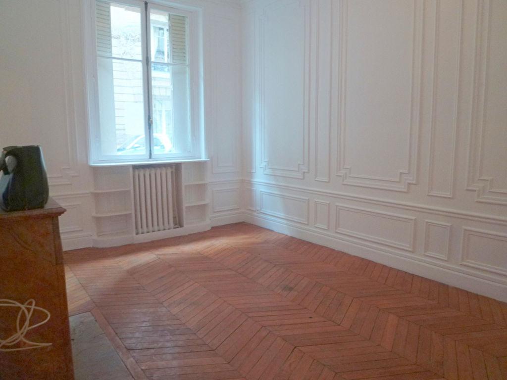 Neuilly village Appartement 3 pièce(s) 68 m2