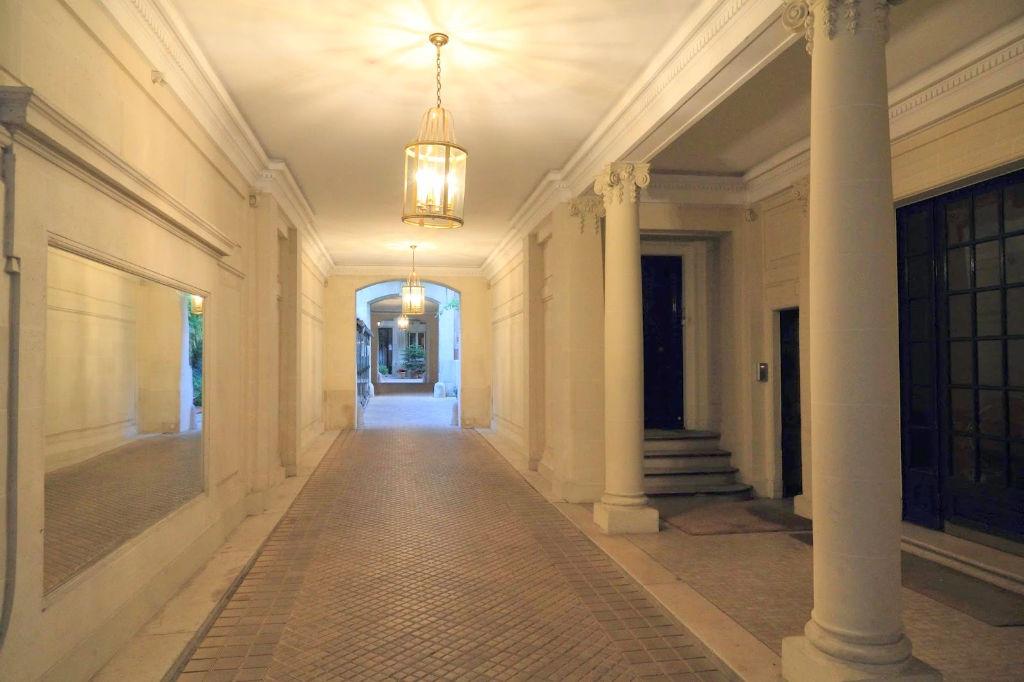 Neuilly village SABLONS Appartement  4 pièce(s) 60 m2
