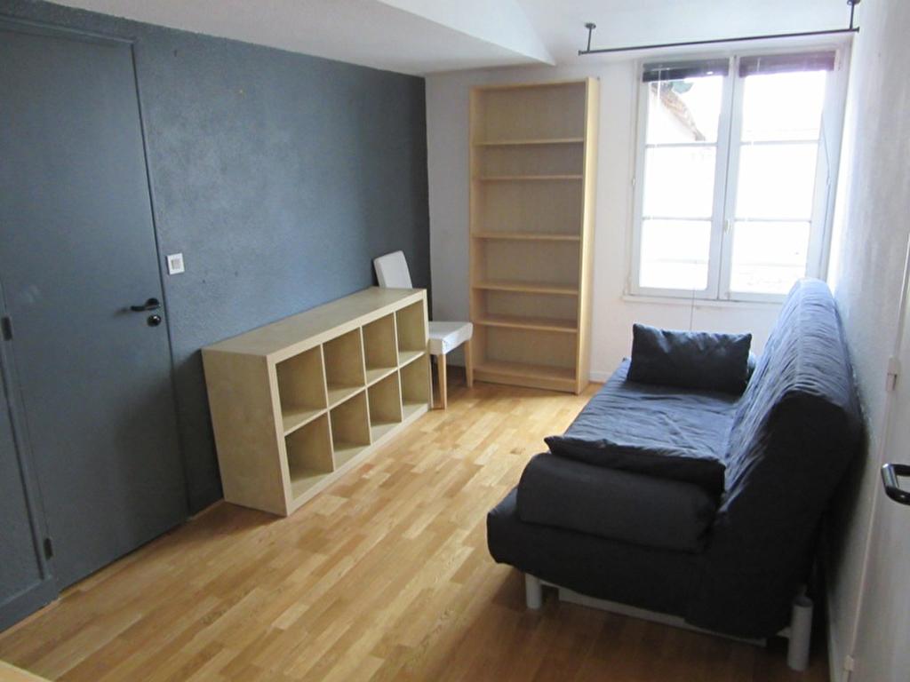 A louer STUDIO MEUBLE - RENNES Centre ville