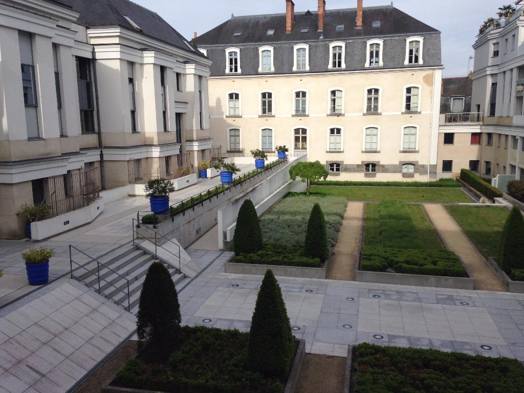 A LOUER- T3 - RENNES centre ville  calme et belle résidence