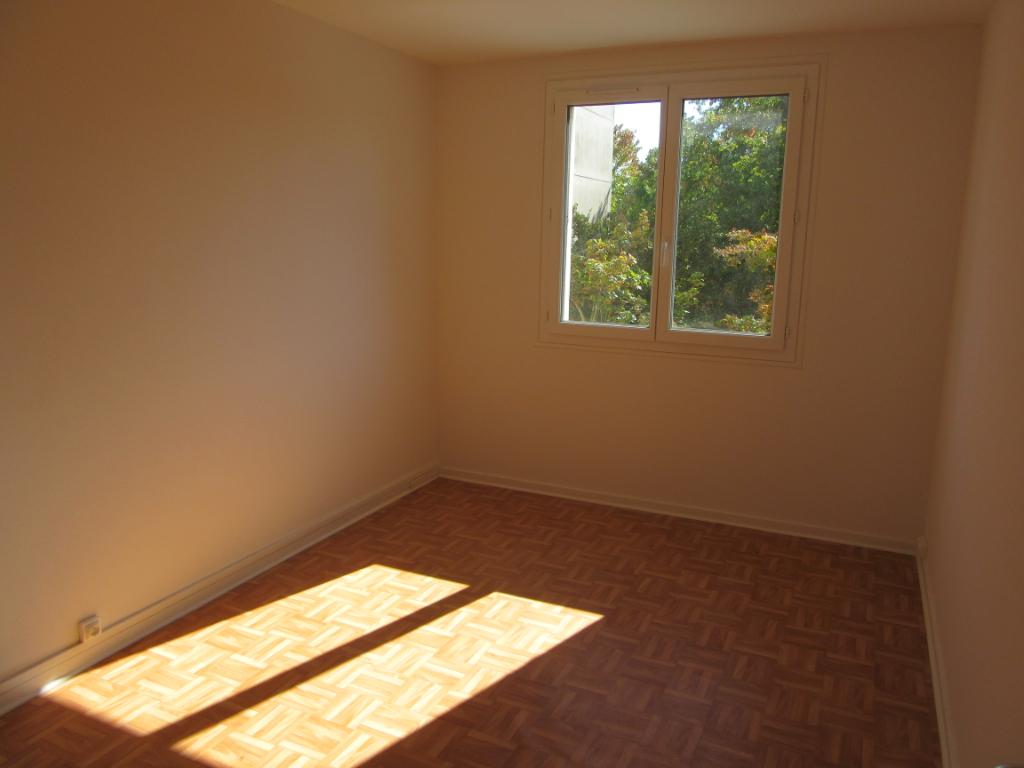 A LOUER- Chambre dans appartement T4- RENNES VILLEJEAN