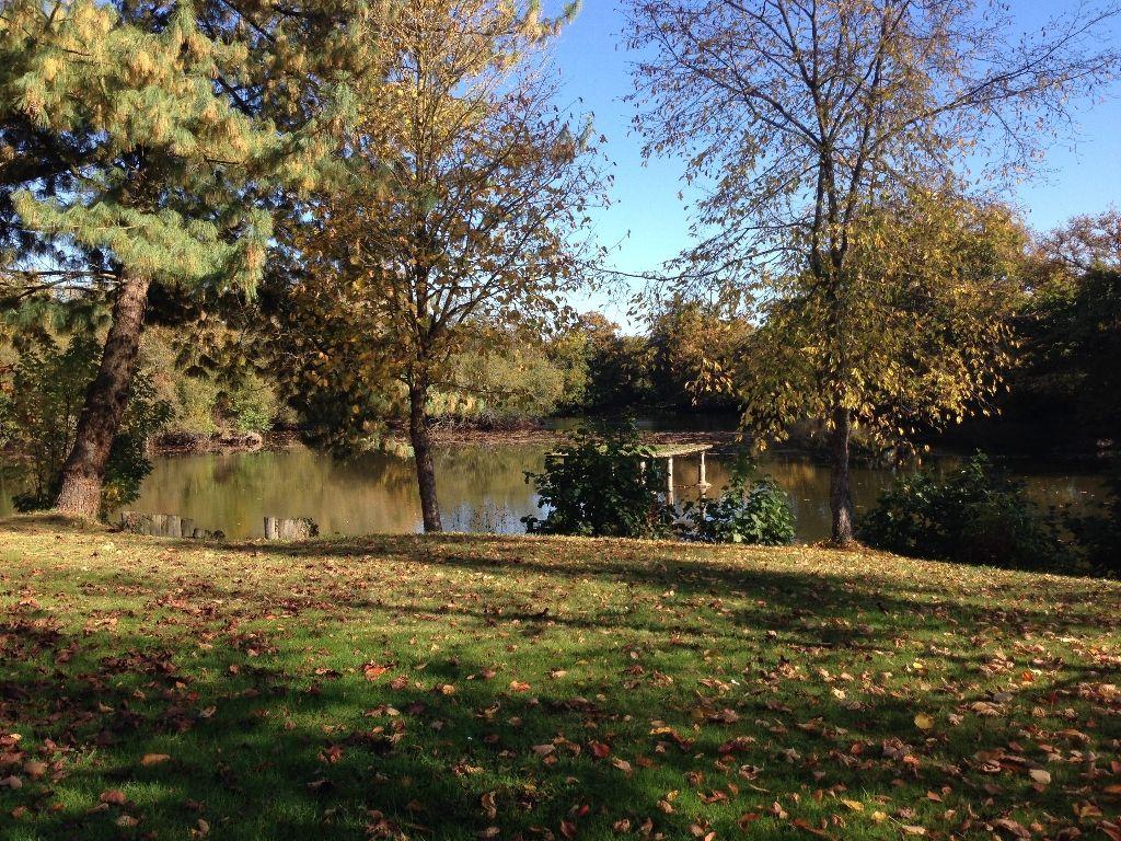 Propriété 300 m² - dans Rennes avec étang - terrain 5000 m²