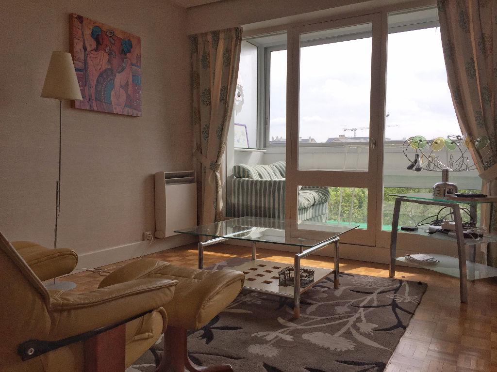 Rennes centre ville, appartement  4 pièce(s) 93 m2  ascenseur et garage.