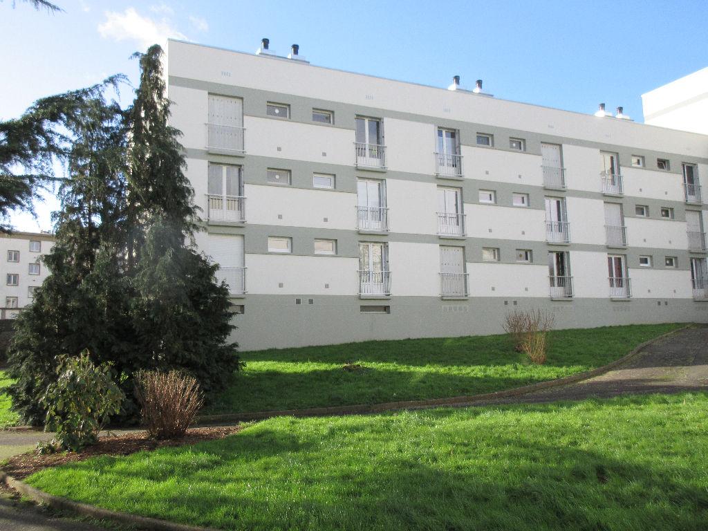 A LOUER-  Studio  - RENNES - BEAULIEU