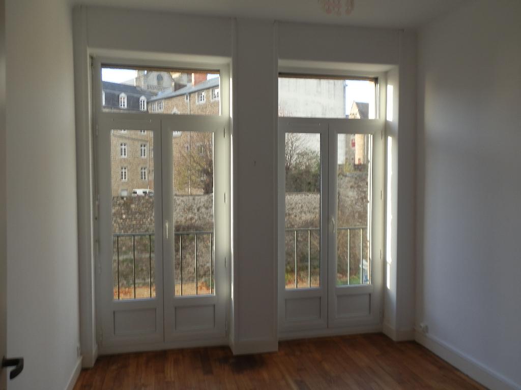 Appartement Fougeres 3 pièce(s) 54 m2