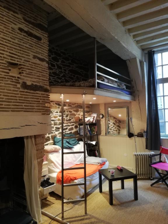 A LOUER - Studio - RENNES Centre Historique