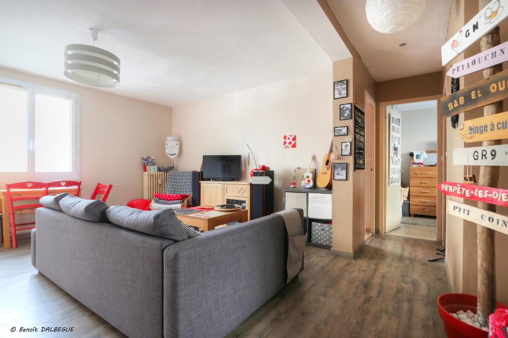 Exclusivité COGIR RENNES  Type 3 centre ville Bourg Levesque