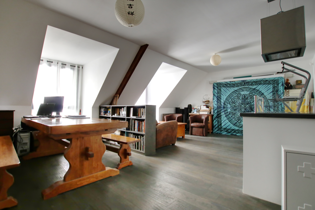 Spacieux appartement Type 2 dernier étage en centre ville