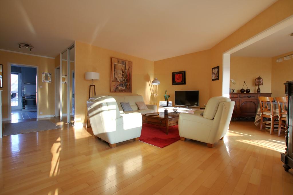 Appartement  5 pièce(s) 103.53 m2