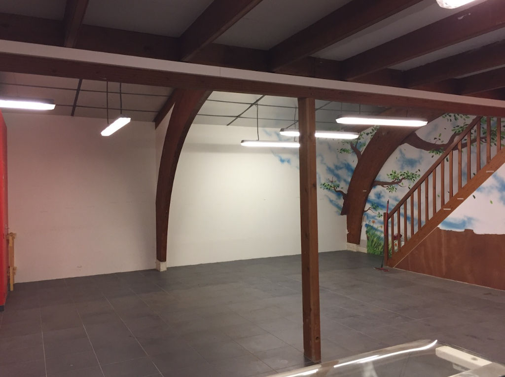 Local commercial  115 m2