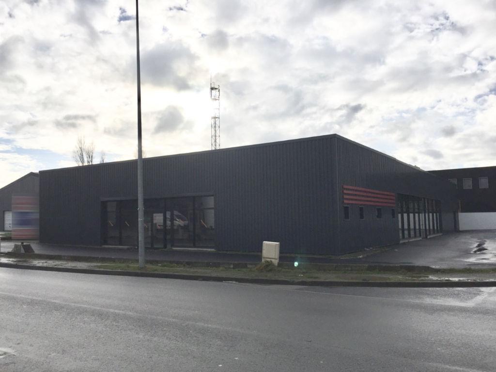 Entrepôt / local industriel  550 m2