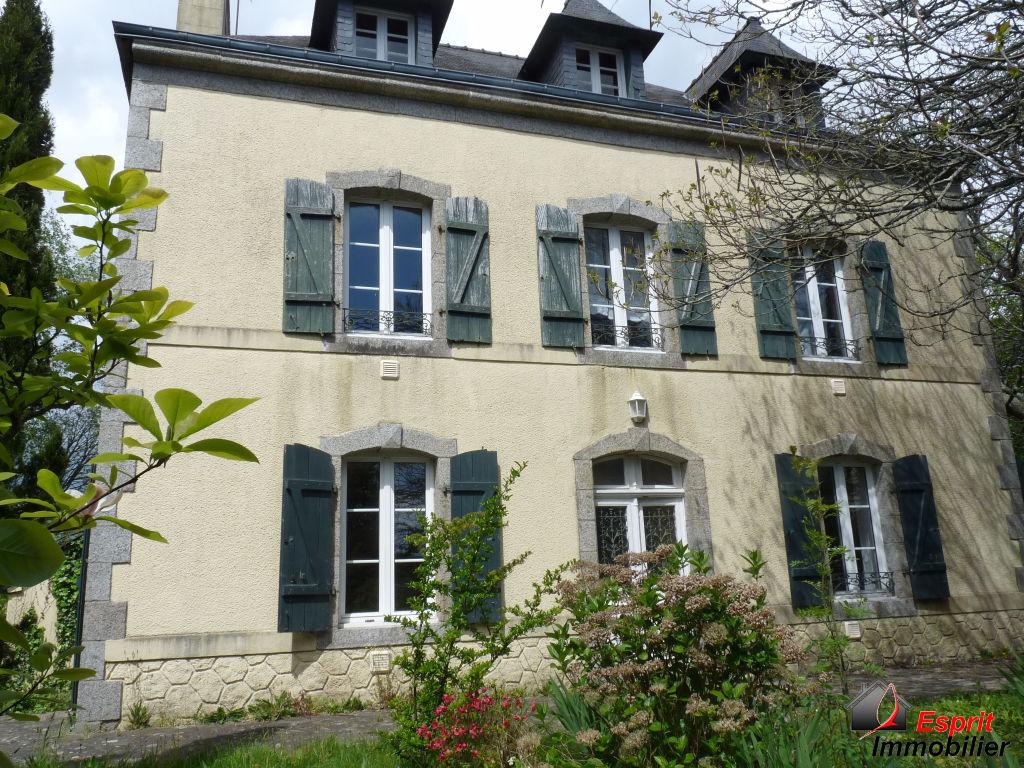 Maison Riec Sur Belon  12 pièce(s) 400 m2 365750€