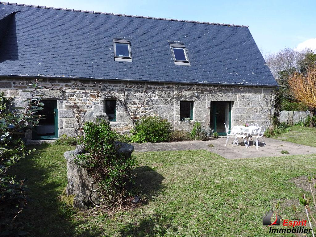 Maison en pierre, 1.6 km des plages, 3 chambres, sans travaux 185500�