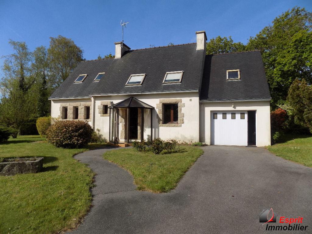 Maison Tregunc 6 pièce(s) 130 m2 proche commerces 262500€
