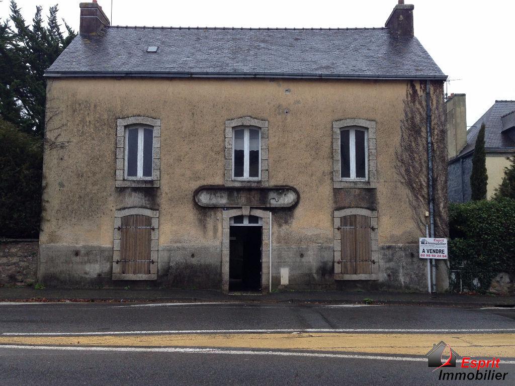 Maison à rénover 180 m²,  proche commerces, Finistère SUD, Riec sur Belon 64200€
