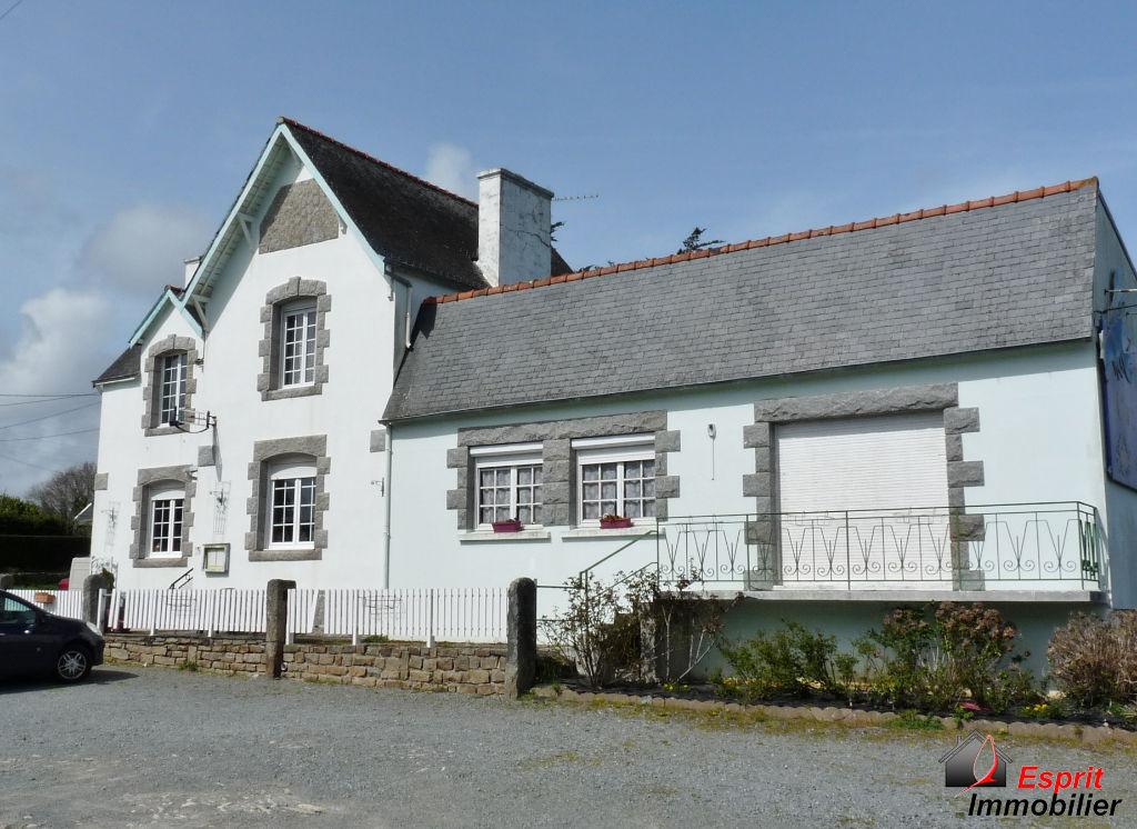 Maison Pont Aven local d'activité+habitation