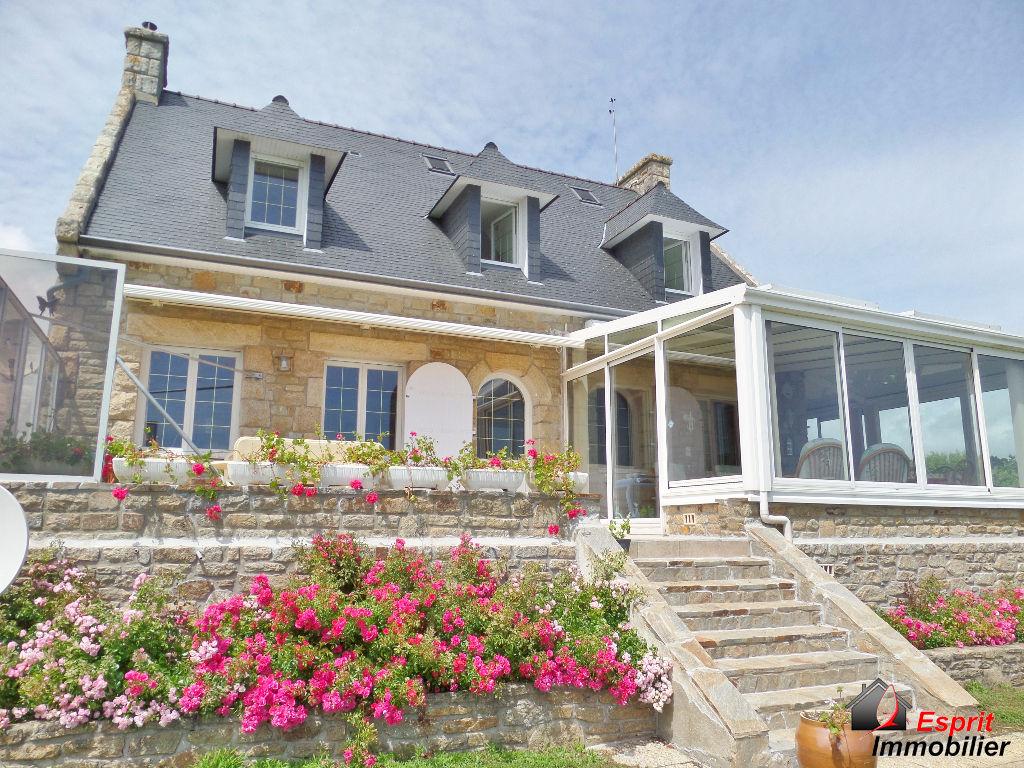 Maison Nevez, vue imprenable sur l'océan 975000€