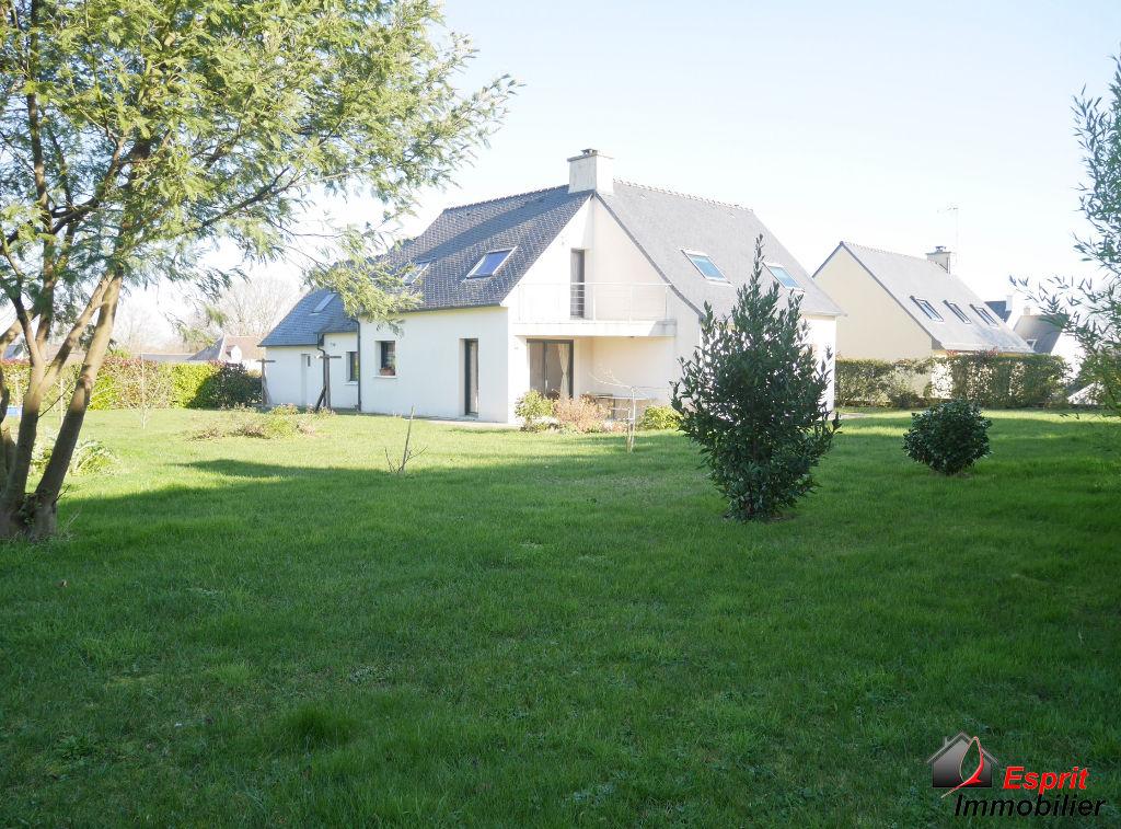 Trégunc, maison 2009, 5 chambres proche accès voie rapide 339000€